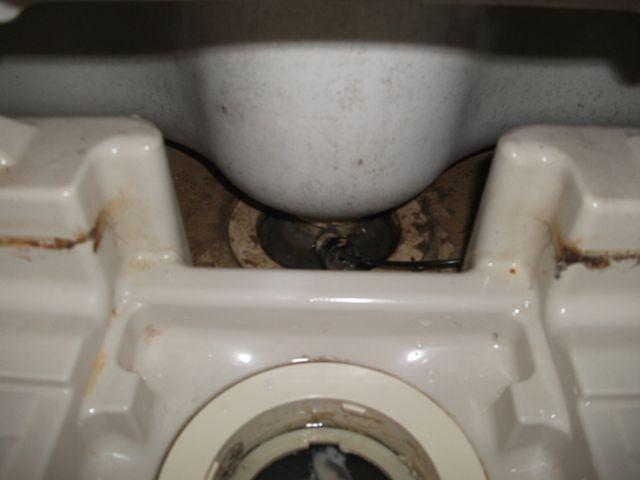 全館雑排水管清掃【その3・バスタブ下洗浄】