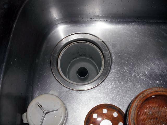 屋内雑排水本管詰まり修理