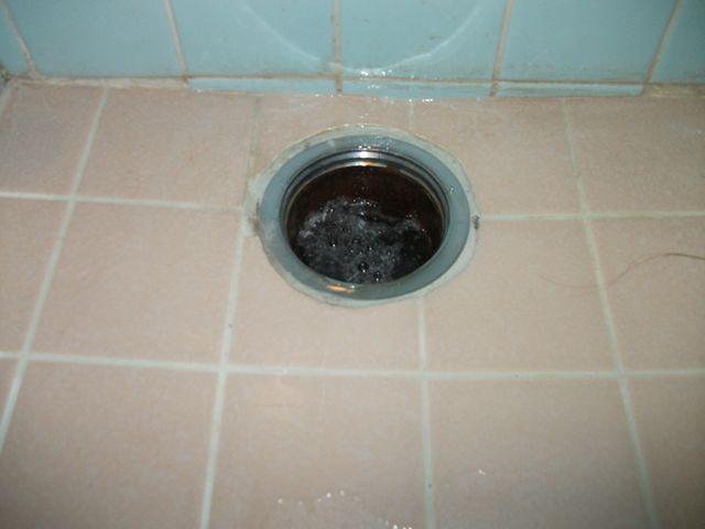 風呂土間排水管詰まり修理