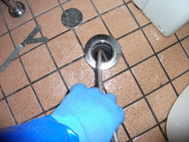 洋式トイレ排水不良調査 及び 排水管清掃