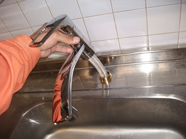 台所の蛇口交換