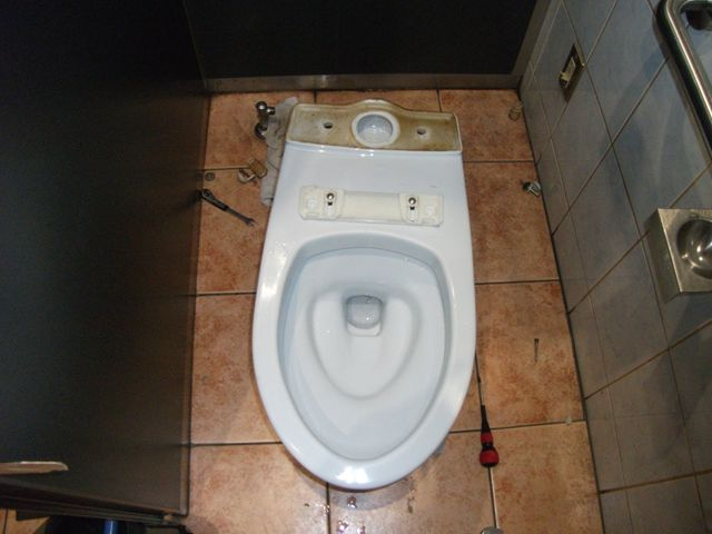 洋式トイレ詰まり修理【その2】