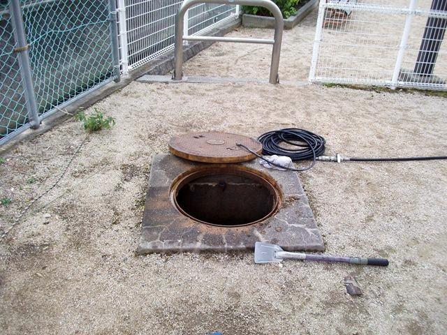 屋外 汚水本管詰まり修理