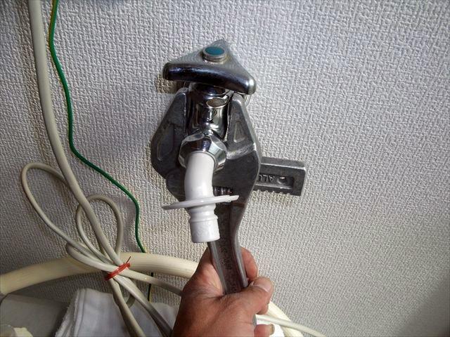 洗濯蛇口水漏れ修理