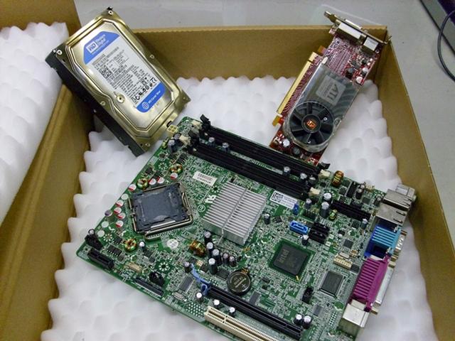 ハードディスク、グラフィックカード、マザーボード